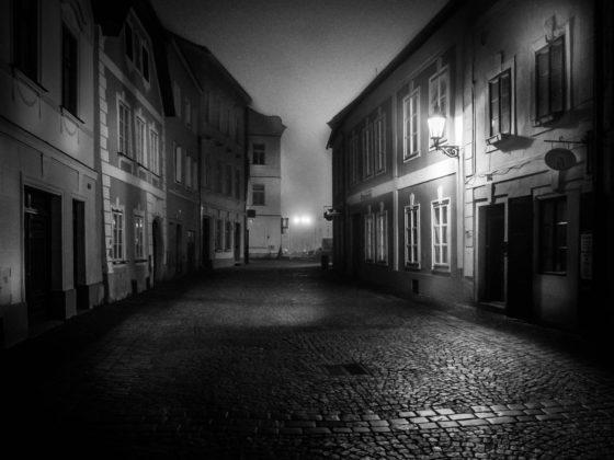 Ulice v Jidřichově Hradci - Petr Hervíř Fotograf Praha - focení portréty, akty, svatby