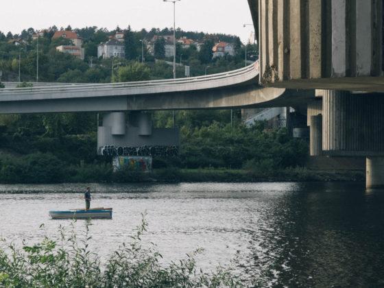 Praha, most, rybář - Petr Hervíř Fotograf Praha - focení portréty, akty, svatby